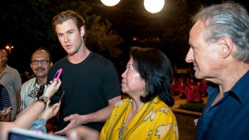 Thor (Chris Hemsworth) Syuting Film di Indonesia!