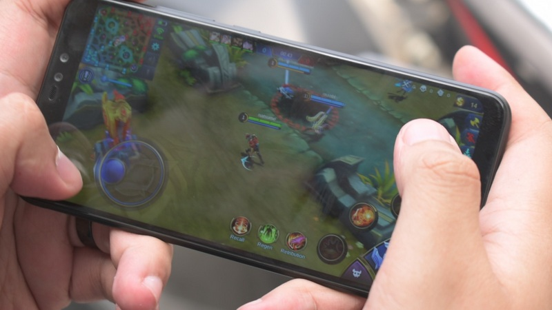 Review Xiaomi Redmi Note 6 Pro: Ga Cuma Jago Foto, Mobile Legends Bisa 60 FPS!